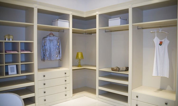 wardrobe dubai - featured image